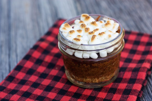 s'mores cupcake in a jar
