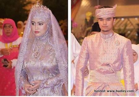 Semalam telah berlangsung Majlis Persantapan Diraja Sempena Istiadat Perkahwinan Diraja anakanda Sultan Brunei, Paduka Seri Pengiran Anak Puteri sultan brunei Hafizah Sururul Bolkiah