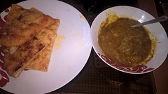 Chicken curry and naan