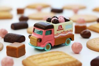 糖果與玩具的夢幻合作!載滿森永人氣糖果的Dream TOMICA No.148 糖果小汽車 おかしのくるま