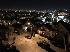 iPhone 7 Plus low-light/night shot. Pretty good. #bernalwood