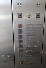 Analysing elevator control buttons