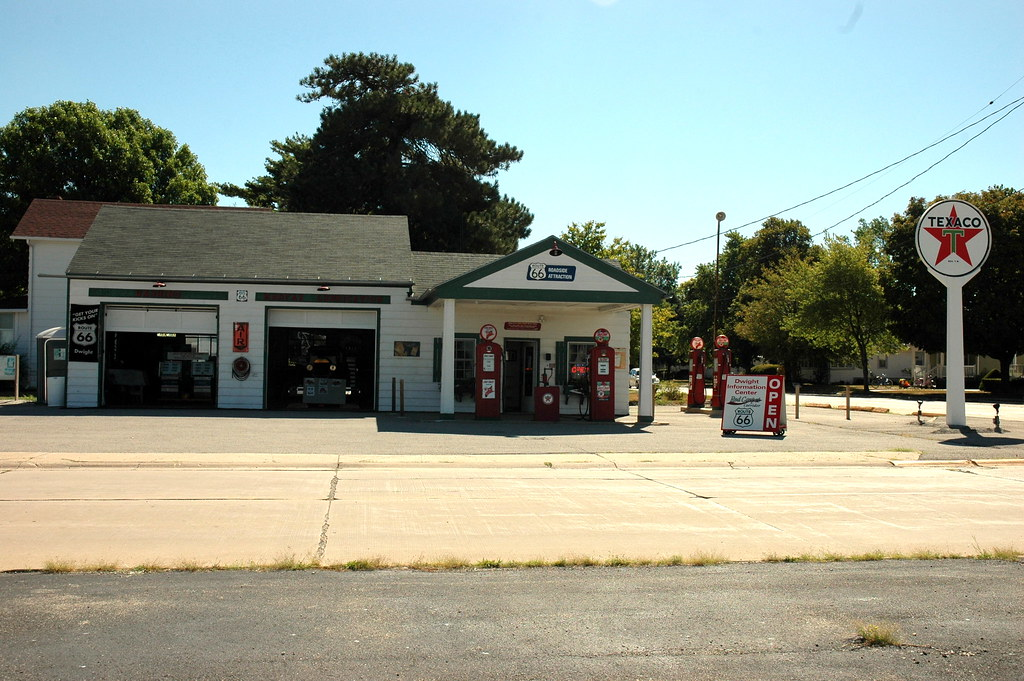 Ambler's Texaco Station, Dwight, IL