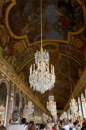 Ceiling---Hall-of-Mirrors