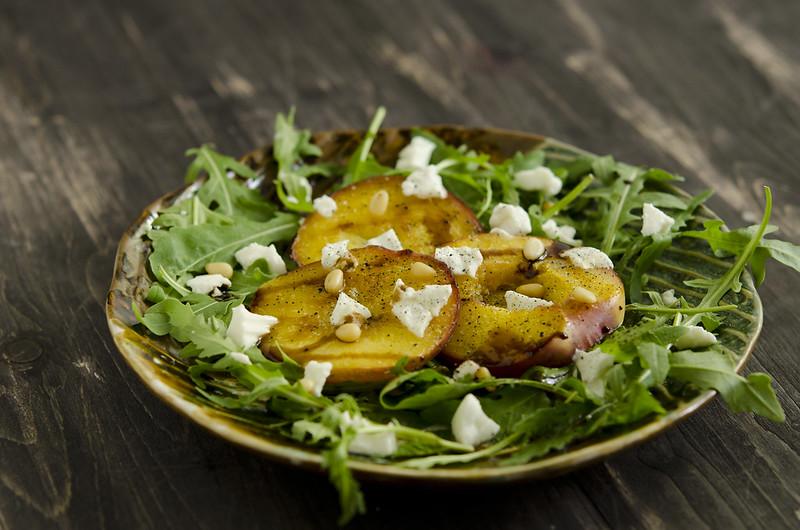salad of roasted nectarines_1