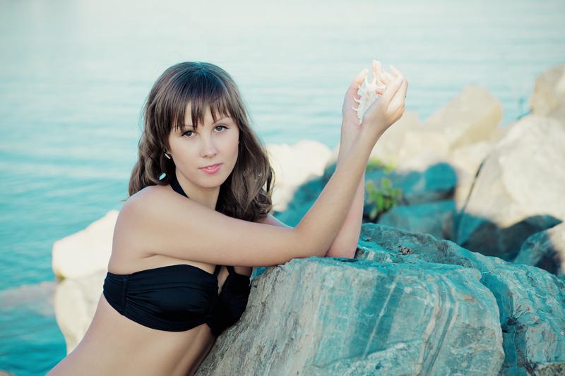Фотосессия девушки на природе, море