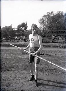 Roy Davis 1906, a pole vaulter (1905)