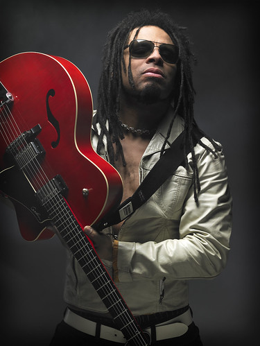 Eric-McFadden-2_RED-Guitar_Large-1
