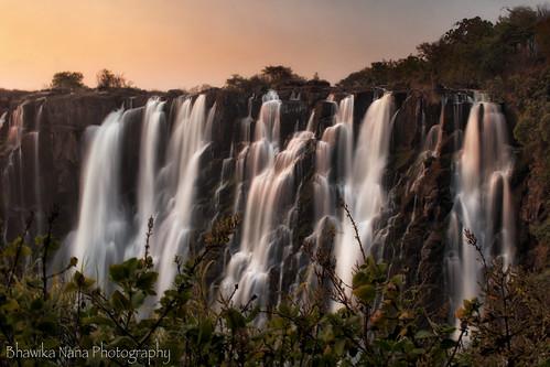 longexposure sunset waterfall frame victoriafalls zambia mosioatunya