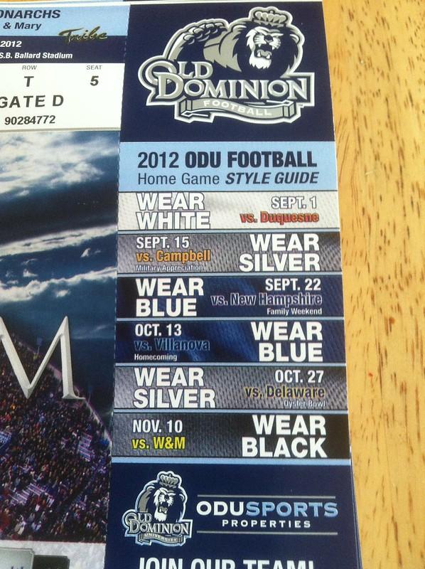 Majestic NCAA University of Kentucky Mens Always Admired Short Sleeve Tee Stadium Blue Large