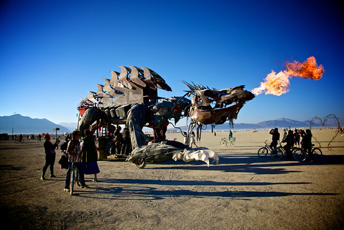 Gon KiRin Dragon Art Car