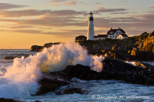 ocean light sea summer lighthouse seascape storm me sunrise canon landscape coast scenery rocks waves maine newengland rocky wave coastline portlandheadlight capeelizabeth goldenlight fortwilliams rebelt2i