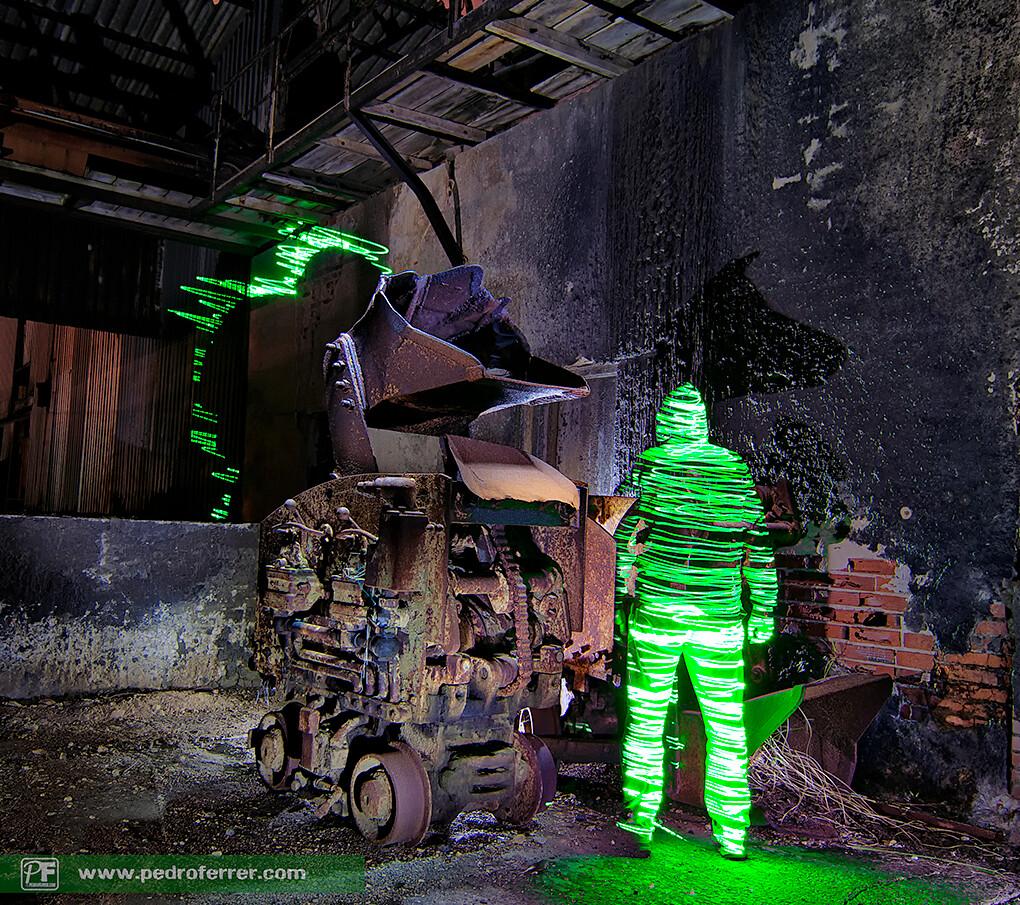 Hombrecillos verdes y su sombra - Laserpainting