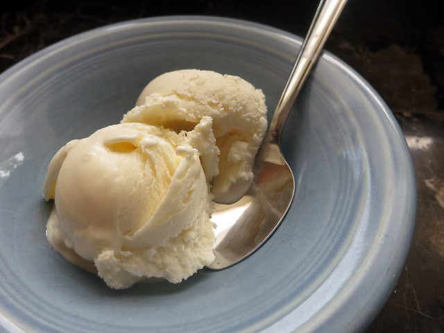 honey vanilla frozen yogurt