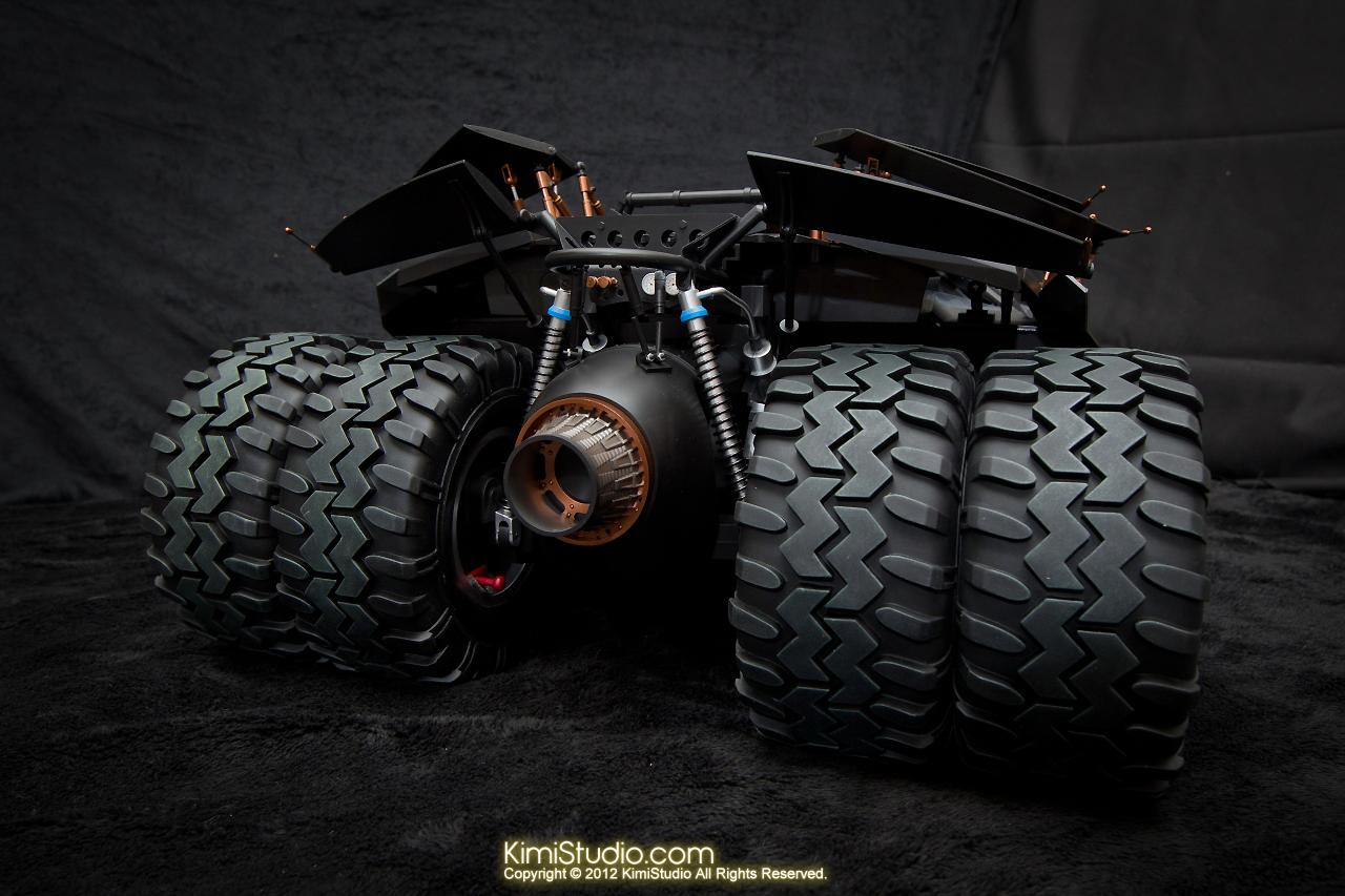 2012.09.22 MMS69 Hot Toys Batmobile-023