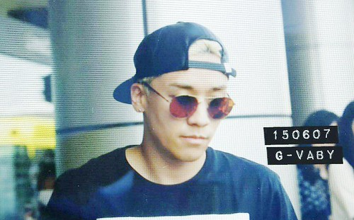 Big Bang - Gimpo Airport - 07jun2015 - Seung Ri - G_Vaby - 03
