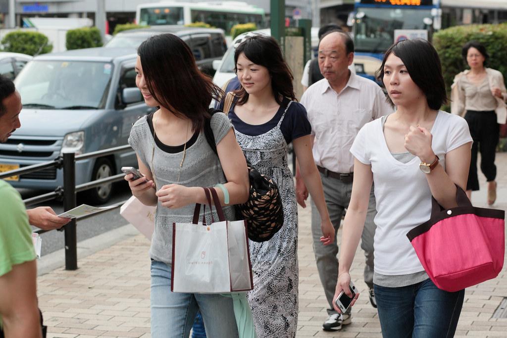 Onoedori 8 Chome, Kobe-shi, Chuo-ku, Hyogo Prefecture, Japan, 0.003 sec (1/320), f/5.6, 85 mm, EF85mm f/1.8 USM