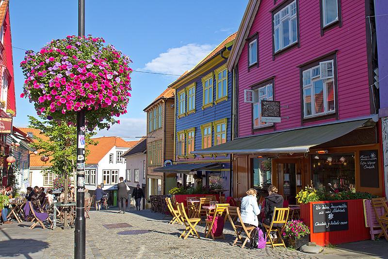 Øvre Holmegate es una de las arterias más populares y coloridas de la ciudad de Stavanger