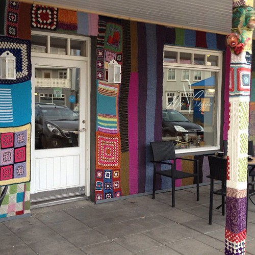 "Un monísimo ""knitting"" café decorado ad hoc #iceland #islandia #tripiniceland"