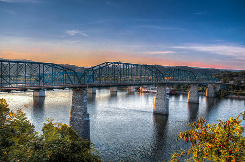 street bridge sunset chattanooga walking downtown day walnut hdr pwpartlycloudy