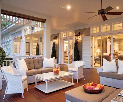 Home-Living-Room-White-Sofas-Decorating-Ideas
