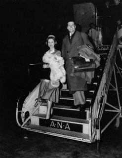 Sir Laurence and Lady Olivier disembarking from the plane at Archerfield aerodrome June 1948