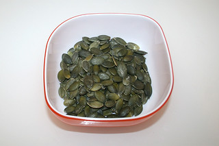 05 - Zutat Kürbiskerne / Ingredient pumpkin seeds