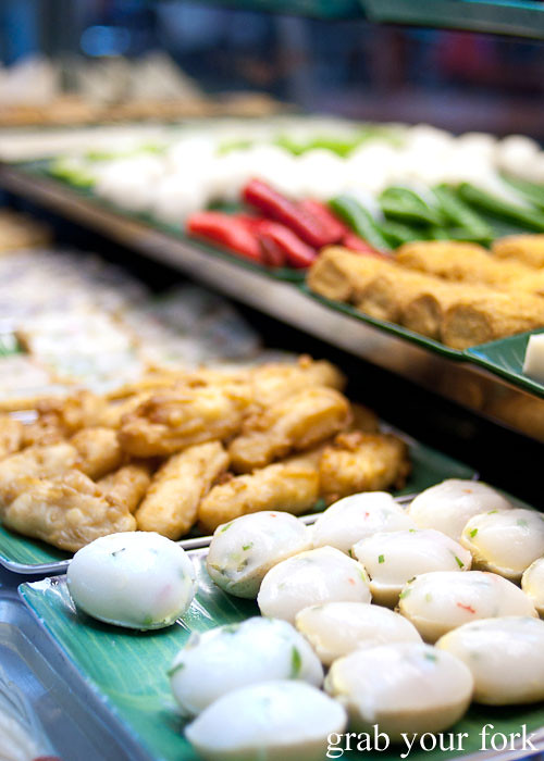 yong tau foo fish balls at maxwell food centre hawker market singapore