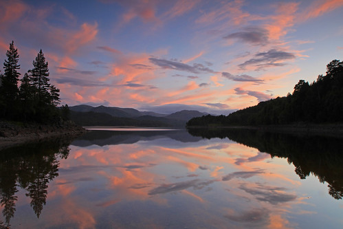 Sky Reflections. by Gordie Broon.