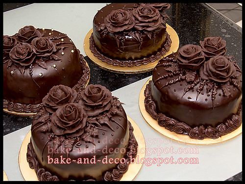 Ice Cream Cake + Moist Choc Cake with Choc Roses ~ 5 Mei 2012