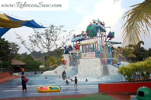 Malaysia Tourism Hunt 2012 - bukit gambang resort city-001