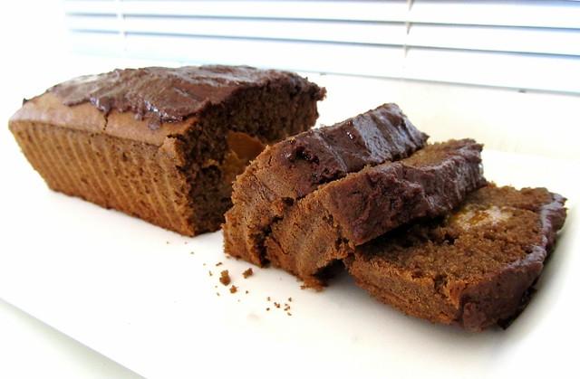 Bolo de Chocolate de padaria com doce de leite