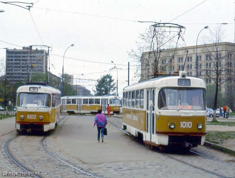 трамвая на Лесную улицу,