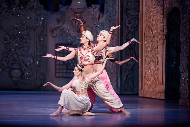 Laura McCulloch, Ryoichi Hirano and Johannes Stepanek in the Arabian dance, The Nutcracker, ©Johan Persson/ROH 2010