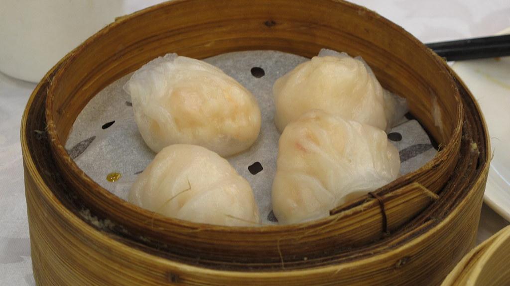 Prawn dumpling 蝦餃 ...