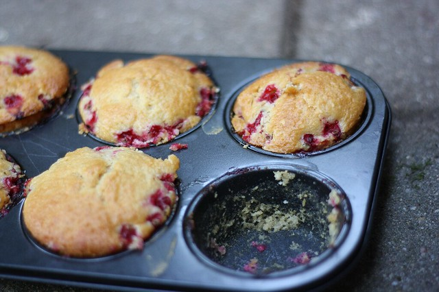 Red currant vanilla muffins