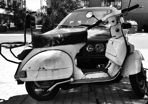 + Vespa by J. Learte