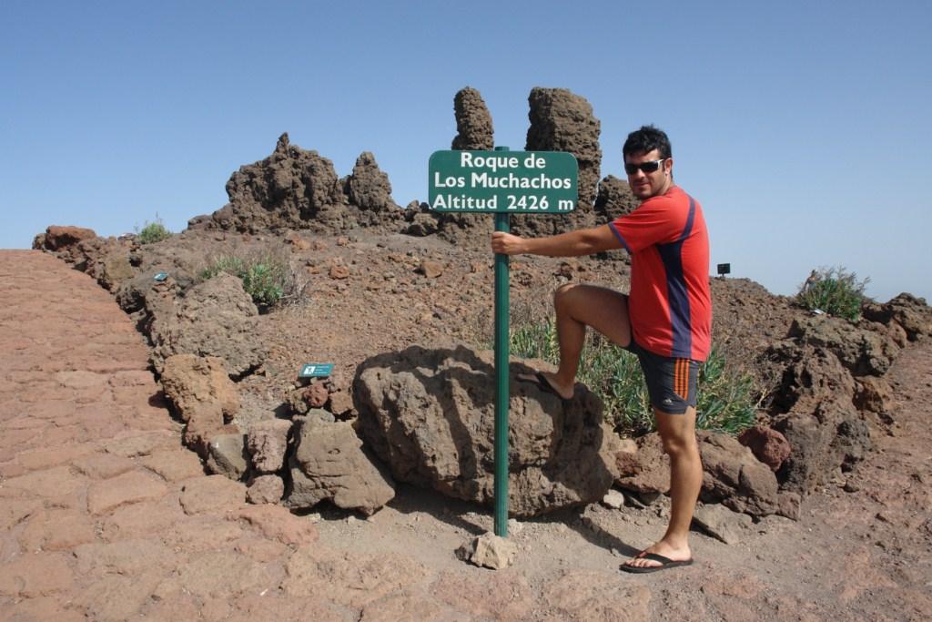 En el punto más alto y rocas que dan nombre al Roque de los Muchachos, en la Isla de La Palma (Canarias) Roque de los Muchachos, donde europa se une con el cielo - 7839504408 db07f30919 o - Roque de los Muchachos, donde europa se une con el cielo