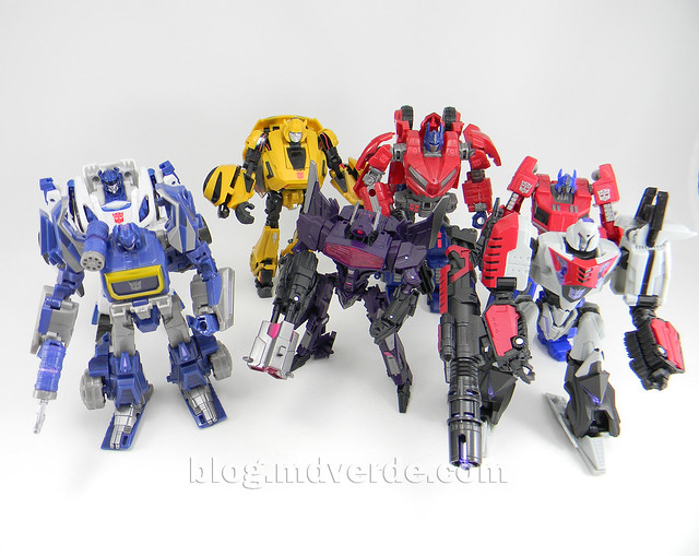 Transformers Shockwave Deluxe - Generations FoC - modo robot vs otros FoC / WfC