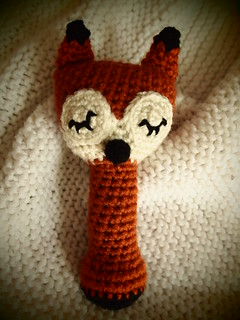 Sleepy sly fox rattle