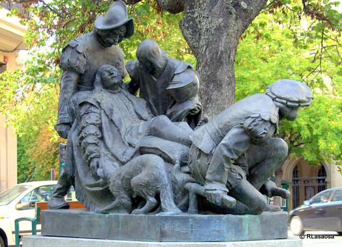 Monumento a San Ignacio de Loyola en la avenida de San Ignacio
