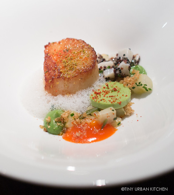 Roasted Scallop and Tartare, Black Quinoa, Fennel adn Ginger Jelly, Red Pepper and Kaffir Lime