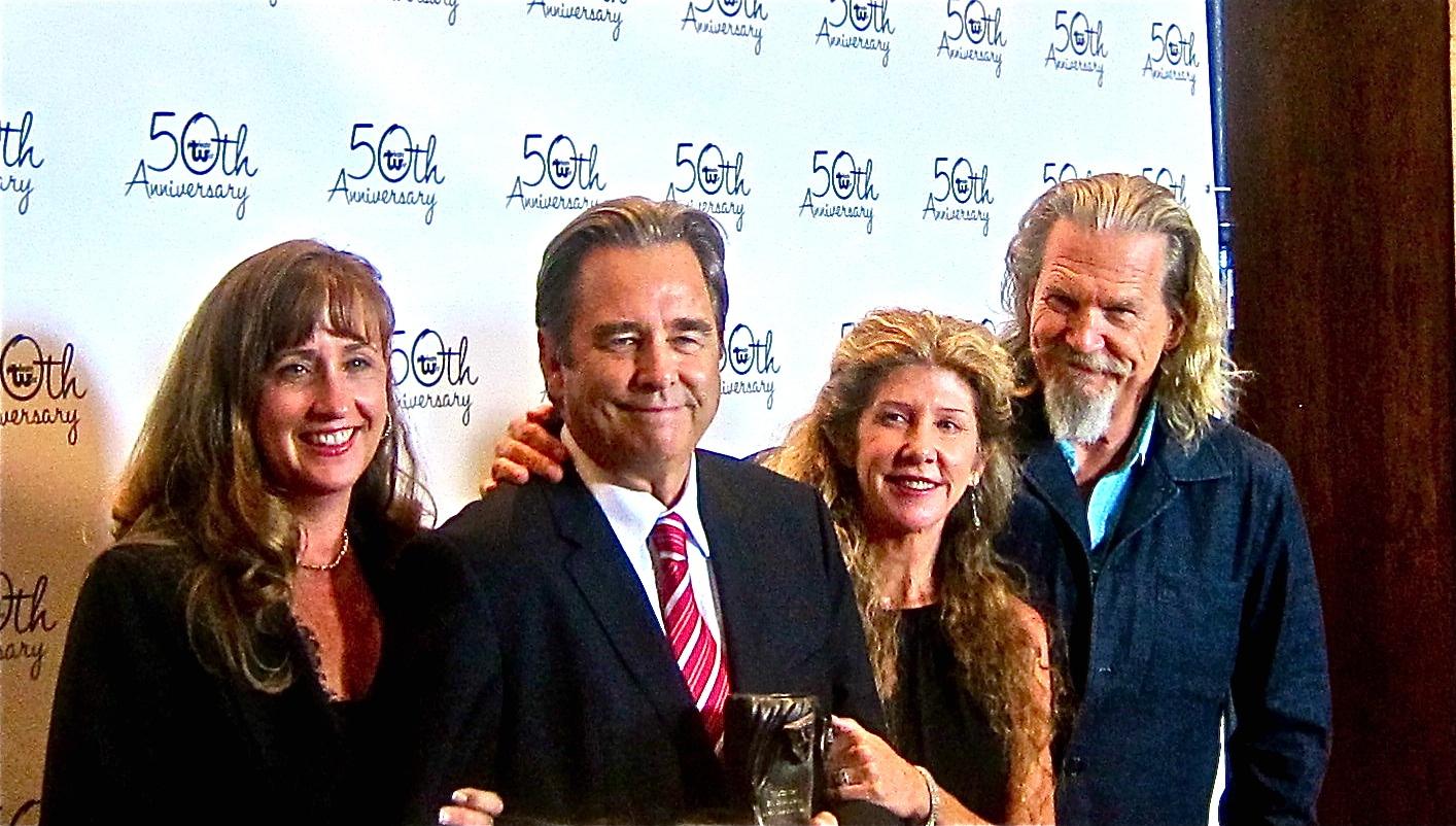 norman lear presents theatre west award to beau bridges