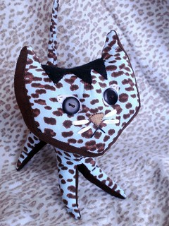 Pointy Kitty/ Wee Wonderfuls Pattern
