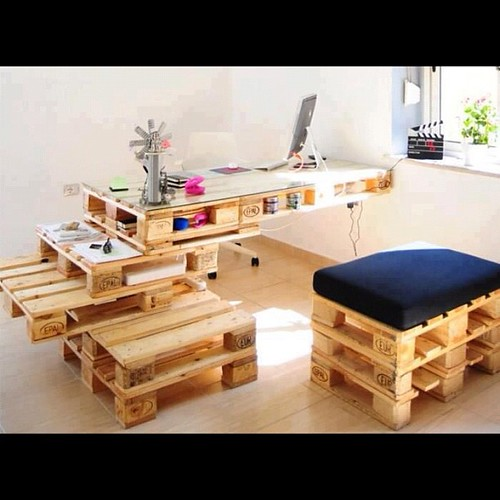 Hogar y jardin decorando con palets for Como hacer una cama con palets