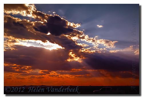 sunset sunrays sunsetclouds iphone sunsetrays albuquerquedailyphoto