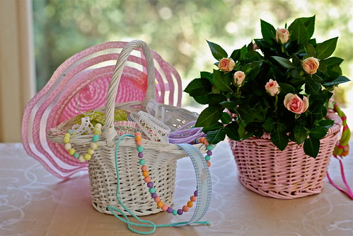ribbons basket