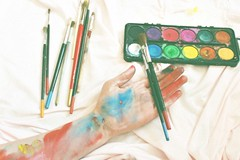 [Free Images] People, Body Parts - Hands, Objects, Stationery, Brush ID:201208161200