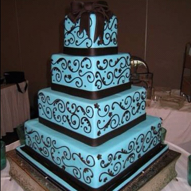 blue and brown wedding cakes amazing blue and brown wedding cake eavig flickr 11942