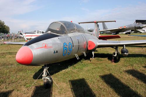 L-29 Delfin 69 blue